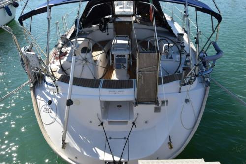 Poppa barca a vela nel porto di Palau